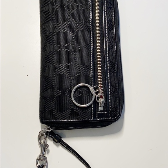 COACH Accordion Zip Wallet With Wristlet Strap